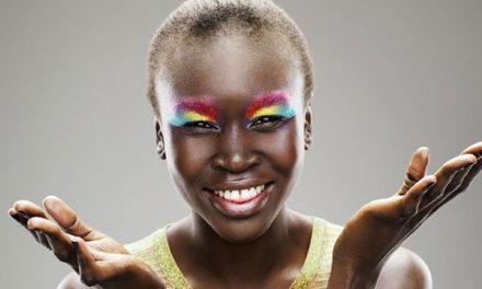 Afro et sans complexe